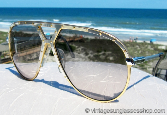 9530b8f6a1 VS2383  Vintage Alpina M1 sunglasses are a low production variation of the  iconic M1