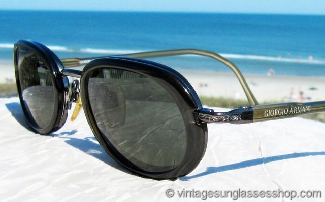 a96a6e13e6c VS2665  Vintage Giorgio Armani 672 1159 sunglasses feature a beautiful  Italian frame with translucent golden ear stems