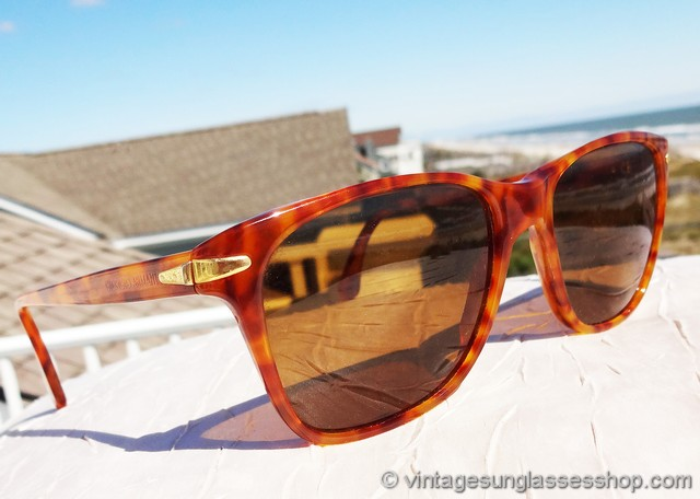 7f080676d5 VS2230  Vintage Giorgio Armani 810 052 sunglasses features a beautiful  orange tortoise shell frame in a style and shape reminiscent of vintage B L  Ray-Ban ...