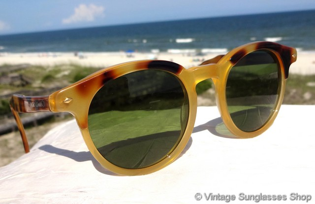 73b9dc1117 VS034  Vintage Giorgio Armani 901 097 tortoise shell sunglasses feature the  very rare yellow tortoise shell frame with darker highlights
