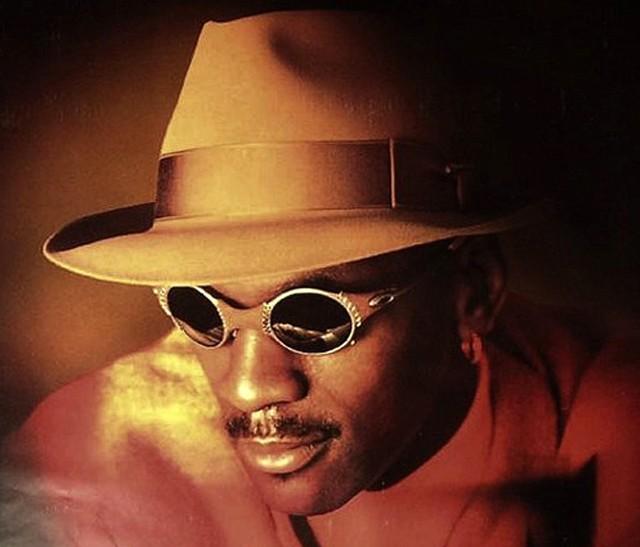 07f865e400125 Celebrity Sunglasses Gallery - Oakley Sunglasses