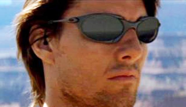 67f80fec353e0 Tom Cruise - Mission Impossible. Oakley Romeo 1.0. James Marsden - X Men  Last Stand. Oakley Penny