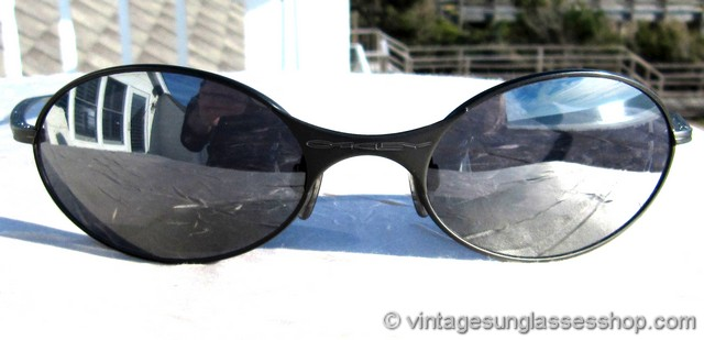 vintage oakley e wire sunglasses