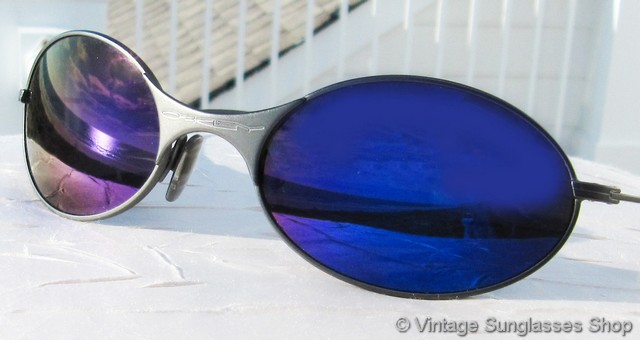 oakley blue iridium goggles  Vintage Oakley Sunglasses For Men and Women - Page 5