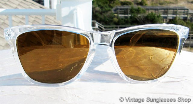 gold oakleys irfu  VS1877: Vintage Oakley Frogskins sunglasses feature the always sought after  clear translucent frame along with top of the line Oakley Gold Iridium  lenses