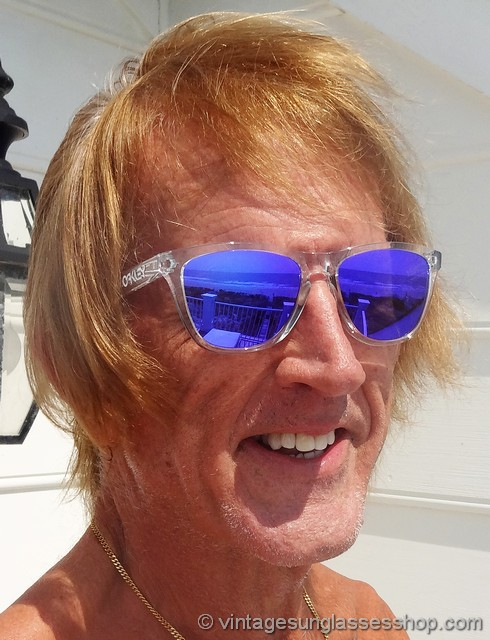 d4f69e2dfbc4 Oakley Frogskins Polished Clear Violet Iridium Sunglasses