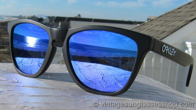 black and blue oakley sunglasses zk4e  black and blue oakley sunglasses