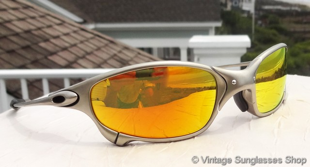 812da3d598bd5 VS362  Vintage Oakley Juliet X Metal sunglasses feature Plasma frames and  top of the line Fire Iridium lenses that bring out brilliant colors of  yellow and ...