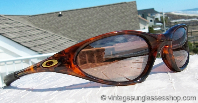 oakley minute sunglasses  Oakley Minute Tortoise Shell Chrome Iridium Sunglasses