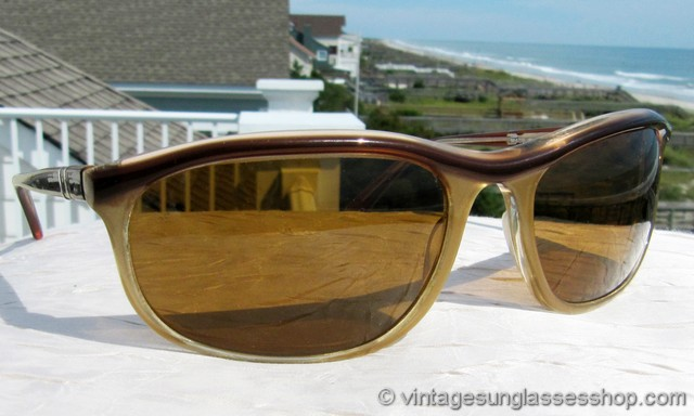 db31f62c60a VS2777  Vintage Persol 58230 Patent sunglasses feature the rare two tone  version of this iconic Persol wrap design