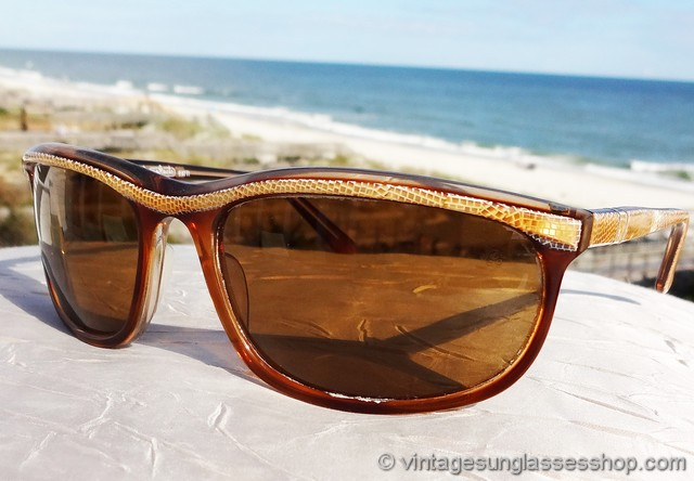 d455d7fd4e5516 VS3071  Vintage Persol 58230 Patent sunglasses are one of the most eye  catching styles ever produced by Persol