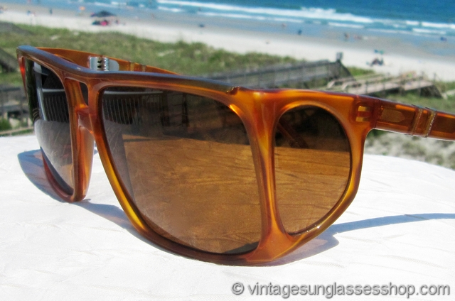 3d0945b590f47 VS067  Vintage Persol 003 sunglasses c late 1980s sunglasses with glass side  shields and a super tortoise shell frame are an icon of 20th century  sunglasses ...