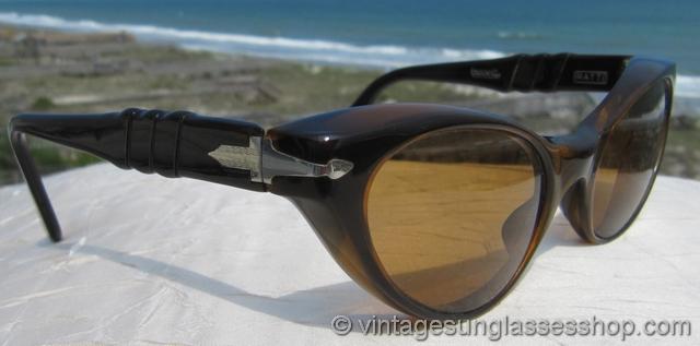 214c1983e256e VS706  Vintage Persol Ratti Brevett sunglasses c 1950s   early 1960s are a  unique Persol interpretation of the cat eye sunglasses shape but with that  great ...