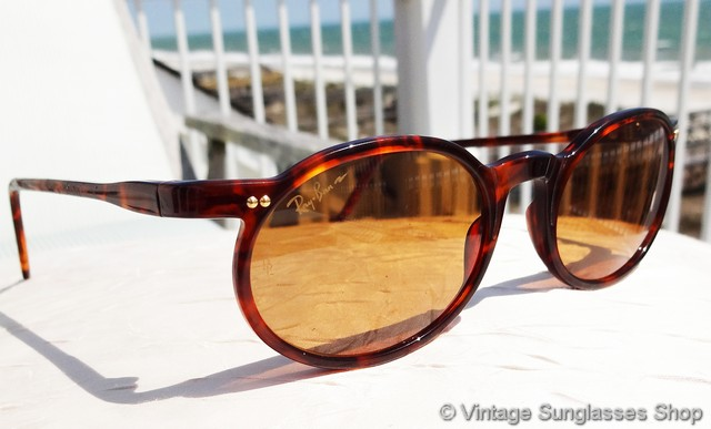 10008bea4d VS1118: Vintage Ray-Ban W1721 Chromax Driving Series sunglasses feature a  rich tortoise shell frame in the distinctive style of the Ran Driving  Series, ...