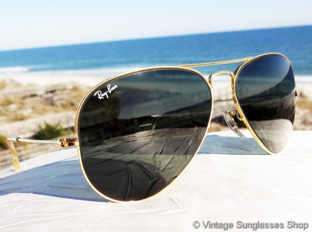 eb4802b64b VS009  Vintage Ray-Ban 58mm aviator sunglasses are the iconic Bausch   Lomb  aviators that have been a top choice of both the general public and  celebrities ...