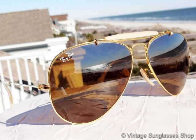 fa835deb926db VS211  Vintage Ray-Ban L1695 Outdoorsman sunglasses feature Bausch   Lomb  B-15 top gradient mirror (TGM) lenses along with pearlized