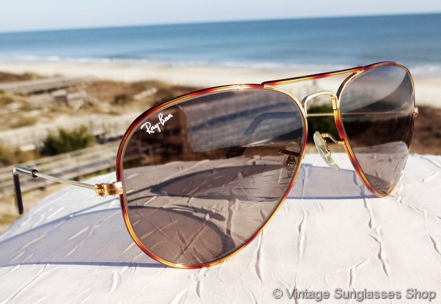 10805e0fa8e VS124  Vintage Ray-Ban L1706 Tortuga Changeables sunglasses feature the  beautiful Bausch   Lomb Tortuga frame with alternating shades of burgundy  and gold ...