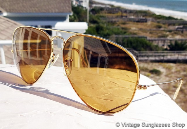 69c7bbff6d Vintage B l Ray Ban Ambermatic Aviator Sunglasses