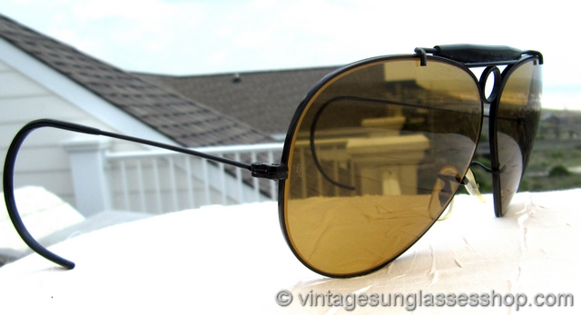 9c4088315e VS783  Vintage B L Ray-Ban Ambermatic bullet hole shooter sunglasses  feature the rare black bullet hole frame to secure 62mm Bausch   Lomb  Ambermatic ...