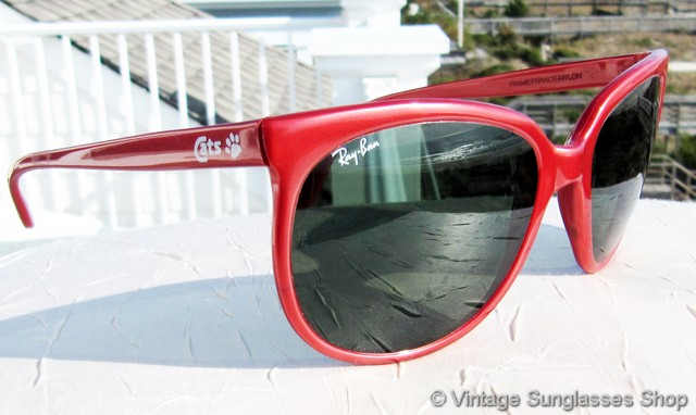 VS973  Vintage Ray-Ban CATS 1000 sunglasses feature the hard to find red nylon  CATS frame with Bausch   Lomb G-15 anti-glare lenses that combine for a  great ... e666cf4ef7b0