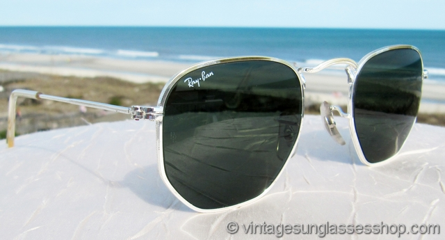 ray ban sunglasses classic sqp3  VS2343: Vintage Ray-Ban Classic Metals hexagonal sunglasses feature the  very rare silver and gold combo Arista frame, produced in only very small  production