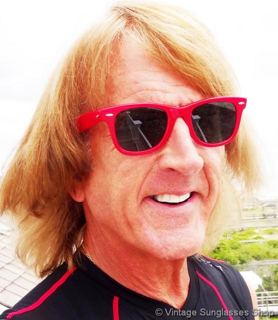 6f086c514 ray ban sunglasses women wayfarer red - Holly's Restaurant and Pub