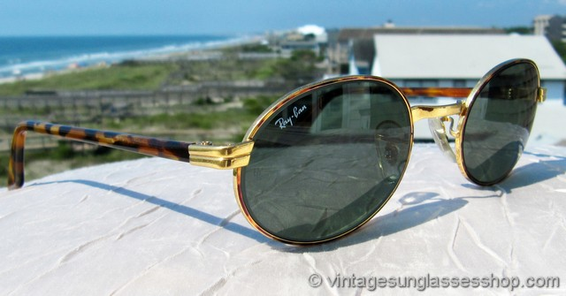 4d7d473028b VS367  Vintage B L Ray-Ban W2188 Sidestreet sunglasses with stunning gold  and tortoise shell frame are one of the best looking of any vintage Ray-Ban  style ...