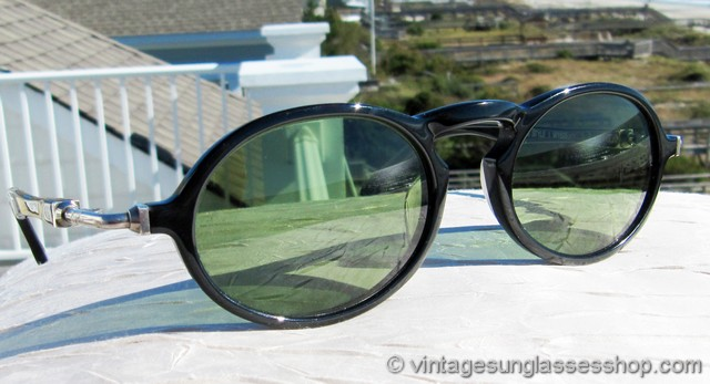 38bbc5024951a VS550  Vintage Ray-Ban W1525 Gatsby Deluxe Style 1 sunglasses are super  cool and feature a black and chrome frame with unique exposed hinges and  green G-15 ...