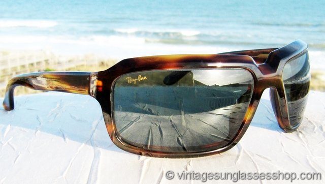 4ff13c06918 VS964  Vintage Ray-Ban W2825 Undercurrent Rectangle sunglasses feature a  beautiful dark tortoise shell frame in a subtle wrap style that will  contour more ...
