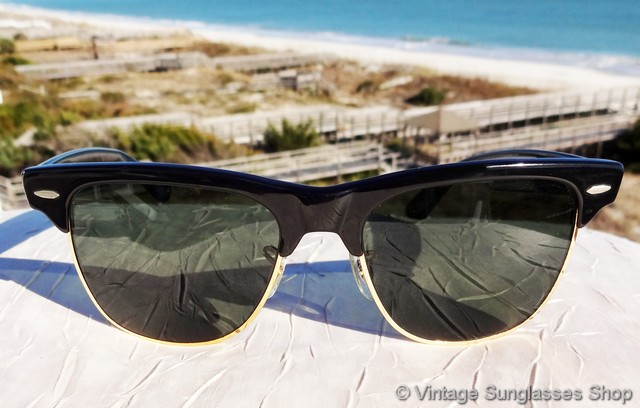 d2be68704cb3b VS295  Vintage Ray-Ban W1272 Wayfarer Max sunglasses feature a black ebony  front frame accent and ear stems along with Bausch   Lomb G-15 mineral  glass ...