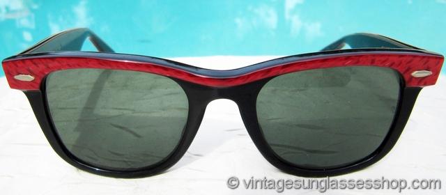 c2fc72b134 VS447  Vintage B L Ray-Ban small Wayfarer Street Neat sunglasses feature  the super cool red pearl pattern and black ebony in the classic Wayfarer  shape.
