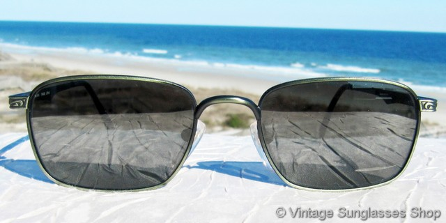 b00e577b40a8c VS2653  Vintage Revo 1206 046 Saratoga sunglasses from the Revo Traveler  Collection features the very rare verdigris frame coupled with green Revo  Tri-Band ...