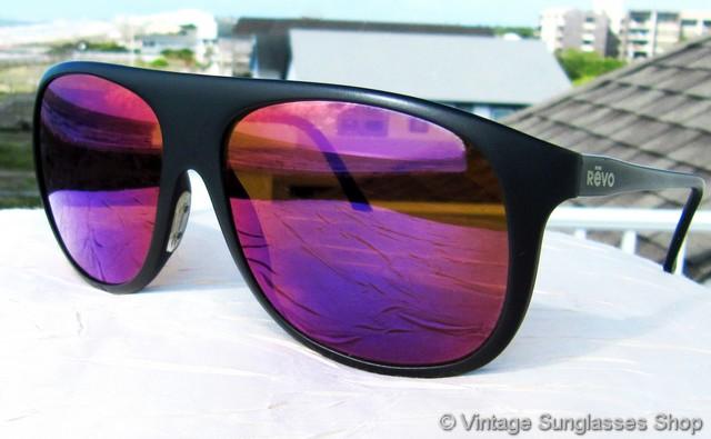 22924b6ec2 VS1661  Vintage Revo 820 001 Aero sunglasses feature a high performance  matte black composite frame in the classic Aero style
