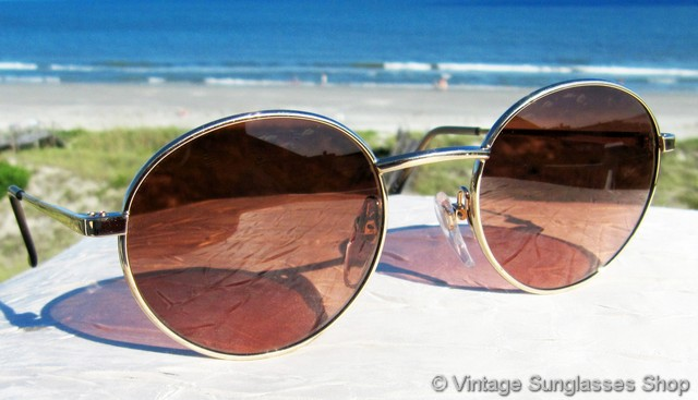ff07ee2dd157 VS2747: Vintage Serengeti 5471 sunglasses feature a clean and elegant gold  plated frame that's a perfect middle of the road size to be distinctive yet  ...