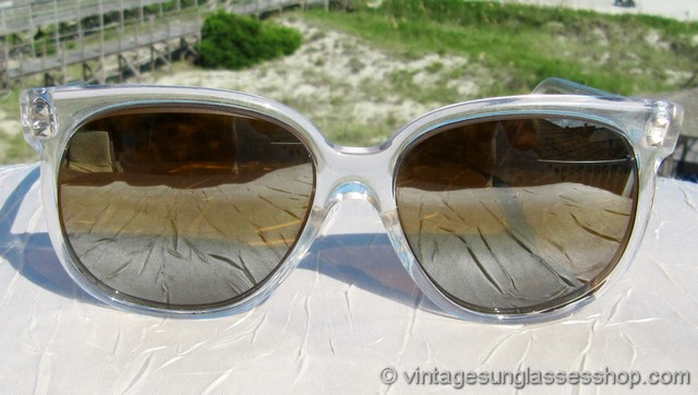 05d49ff4b7 VS2106  Vintage Vuarnet 4463 sunglasses are notable for a few reasons  including the fact that this is one of the largest sizes Vuarnet produced  and the rare ...